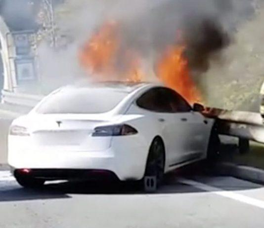 tesla kazaları