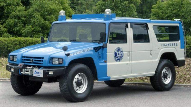 toyota mega cruiser police car